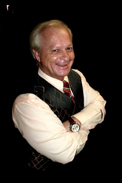 Dr Nico Coetzer